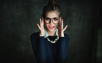 17 портретов о том, что носить очки это круто