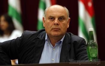 Победа оппозиции: президентом Абхазии станет Аслан Бжания