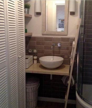Ванная комната с лаконичным интерьером