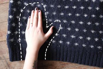 Переделываем старый свитер