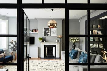 Стильный двухэтажный дом с верандой