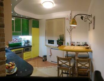 """Столешница из керамогранита и фартук-""""креатив"""" на нашей кухне"""