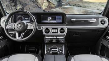 Mercedes-Benz G-Class 2018 – стильный интерьер нового Гелендвагена