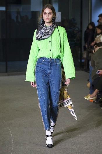 Самые модные фасоны джинсов для осени и зимы