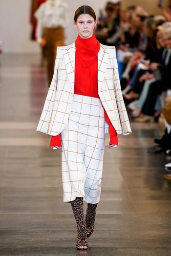 Что мы будем носить следующей осенью по мнению Виктории Бекхэм?