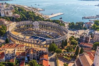 10 архитектурных памятников времён Римской империи, которые можно увидеть в Европе в наши дни: Арена Пула, Порта-Нигра и др.