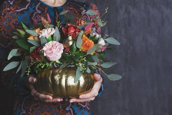 Оригинальные поделки своими руками: ваза из тыквы