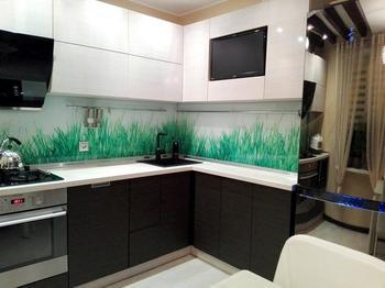 Моя кухня: потолочные балки, светильник хенд-мейд и дизайнерский холодильник