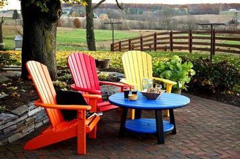 Яркая садовая мебель без особых усилий
