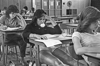 Уникальные фотографии молодежи 70-х годов, сделанные учителем средней школы