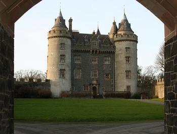8 самых старых замков в мире