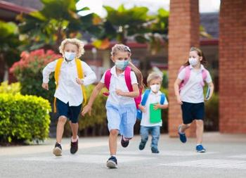 Более 70% детей получили иммунитет к COVID-19
