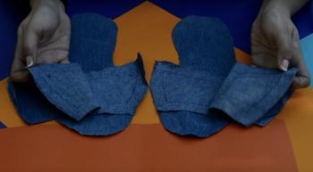 Мастерим домашнюю обувь из старых джинсов