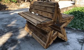 Оригинальная скамейка из простых материалов