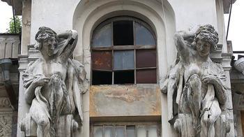Губернаторы спасают старину. Почему памятники культуры невозможно защитить без вмешательства первых лиц