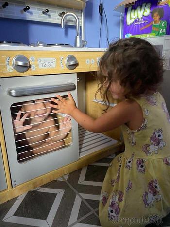 20 весёлых фотографий, которыми поделились родители, застрявшие с детьми на карантине