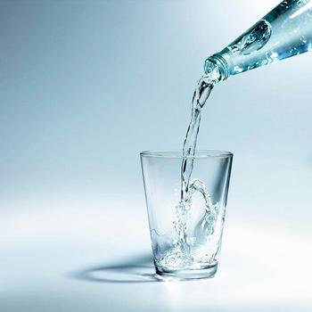 13 проблем, которые могут возникнуть, если пить мало воды