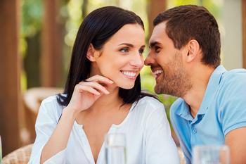 Секреты в отношениях: что можно и не стоит скрывать от любимого человека