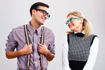 Флирт по всем правилам: 10 эффективных приемов для привлечения мужского внимания