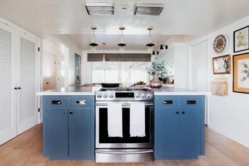 Хозяева сохранили кухню 1960-х годов и не пожалели об этом