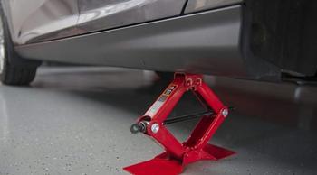 3 частые ошибки, которые допускают автомобилисты при использовании домкрата