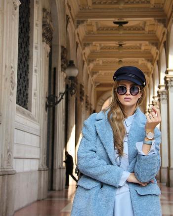 Стильное голубое пальто