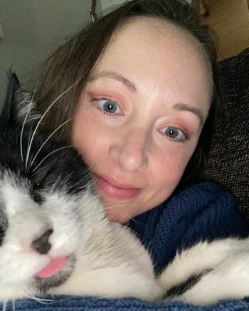 Кот предупредил свою владелицу о том, что у нее может быть рак