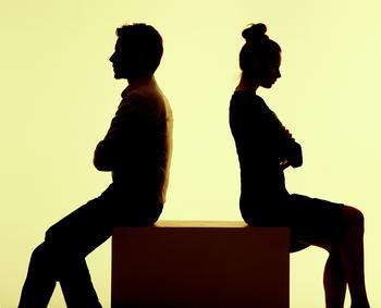 Муж бьет жену, терпеть или бросать?
