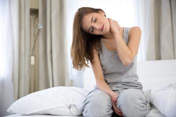 Что делать, если продуло шею: как лечить в домашних условиях