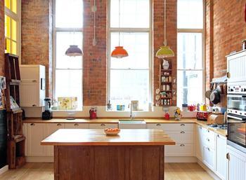 Эклектичный интерьер квартиры с открытой планировкой в Лондоне