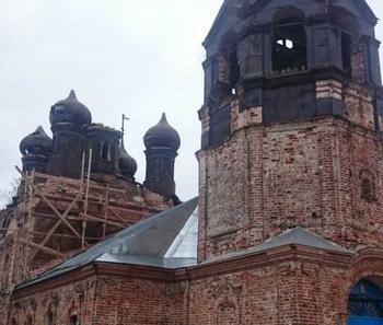 Между храмом и погостом: РПЦ уничтожает могилы.