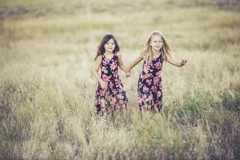 Лучшие и худшие сестры по гороскопу: знак Зодиака расскажет о характере родных