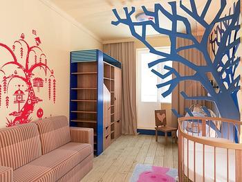 Как обычная детская комната превратилась в зачарованный лес