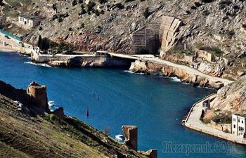Секретная база подводных лодок, которая строилась для последней войны человечества
