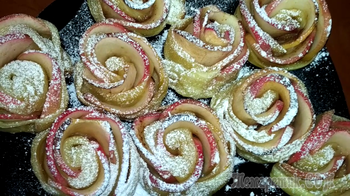 Розы из яблок в слоеном тесте.Красивая выпечка.
