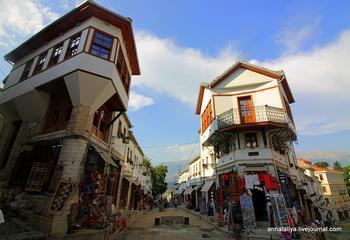 Самый старый город Албании и родина главного албанского коммуниста