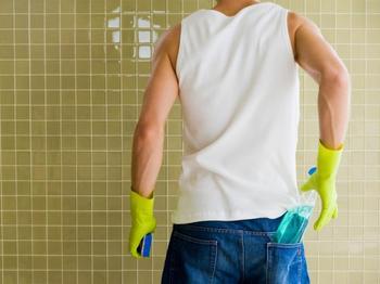 Чем вывести плесень на стенах в квартире: народные способы и профессиональные средства