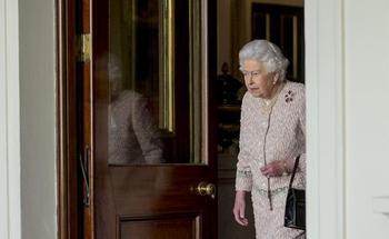 Какие мошеннические схемы рождаются под сводами Букингемского дворца