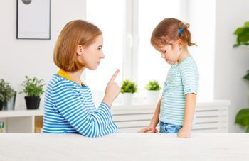 5 принципов, как правильно наказывать детей: советы психолога