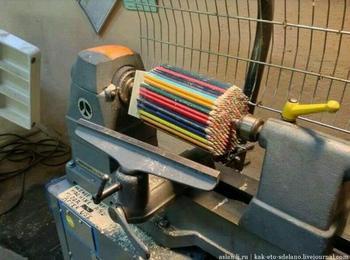 Невероятные поделки из цветных карандашей