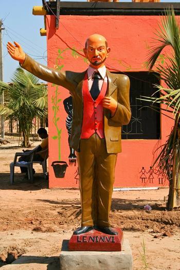 Самые неадекватные памятники Ленину за рубежом