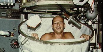 Правила гигиены на орбите: как моются космонавты в Космосе