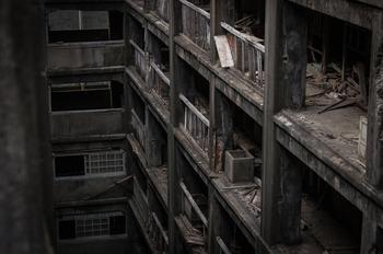 Заброшенный остров-крейсер из фильма про Бонда: 25 фотографий