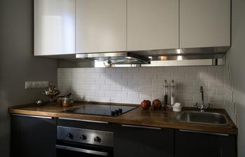 Как выбрать цвет столешницы для кухни: 55 лучших сочетаний дополняющие интерьер