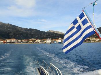 Новый год в Греции. Круиз мимо острова Онасиса до Меганиси и обратно.