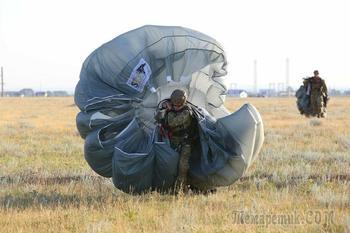 Ростех начал поставки новых парашютов для российского спецназа