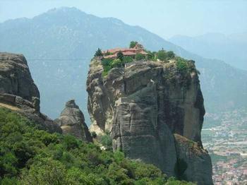 Обители Бога: 5 самых труднодоступных монастырей мира