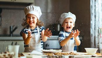 Как научить ребенка готовить: пять главных правил