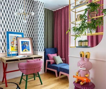 Буйство красок, узоров и декора: яркая квартира студентки в Москве (53 кв. м)