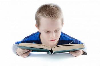 Отдыхать или учиться: как не испортить лето школьными заданиями?